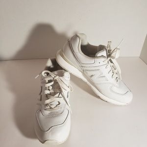 Boy's New Balance tennis shoes